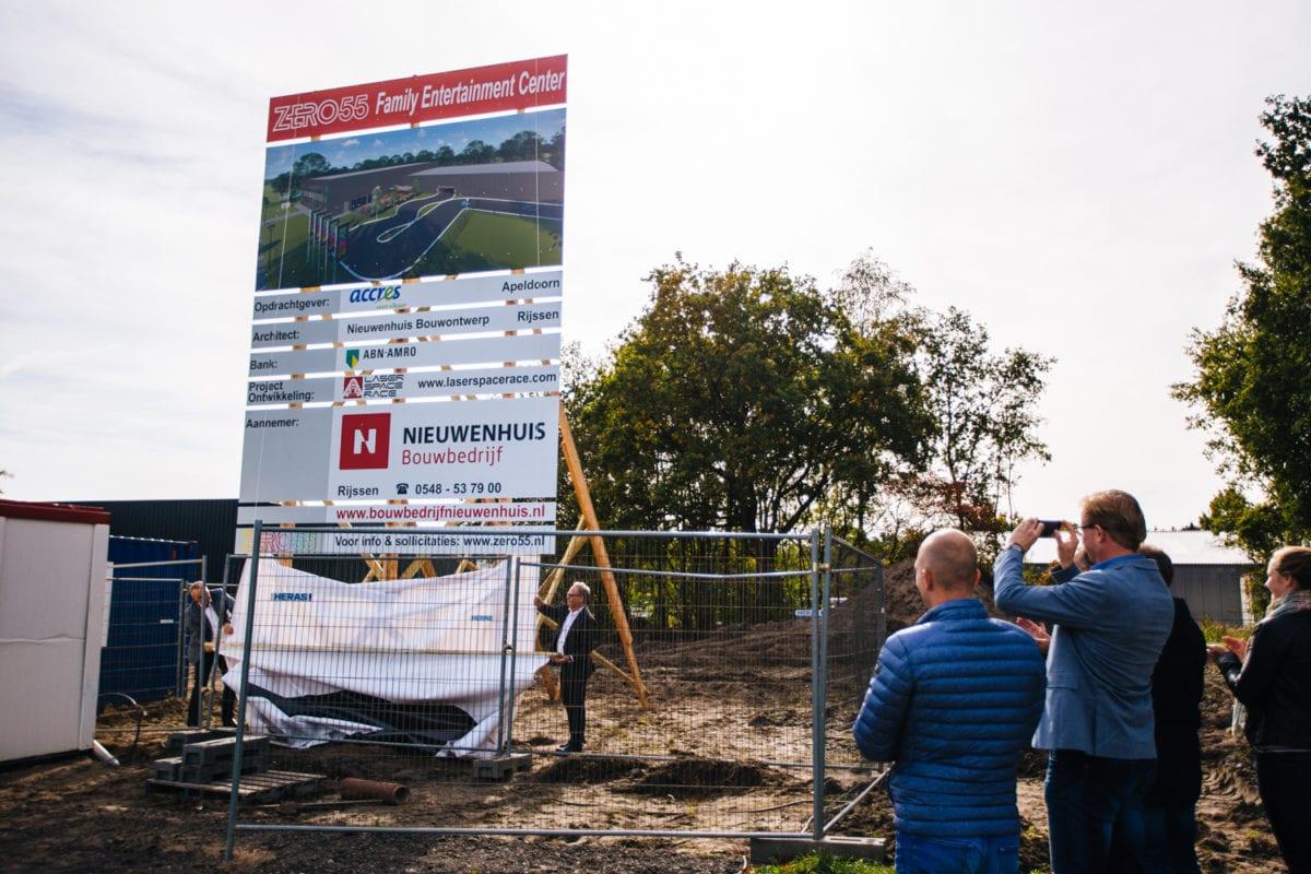 Eerste paal in de grond voor nieuw activiteitencentrum ZERO055